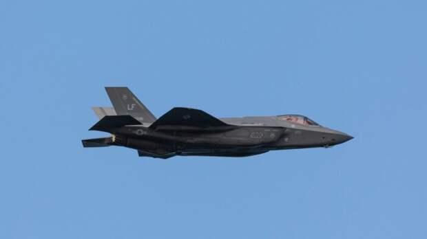 Истребитель F-35 НАТО впервые попробовал перехватить российский самолет
