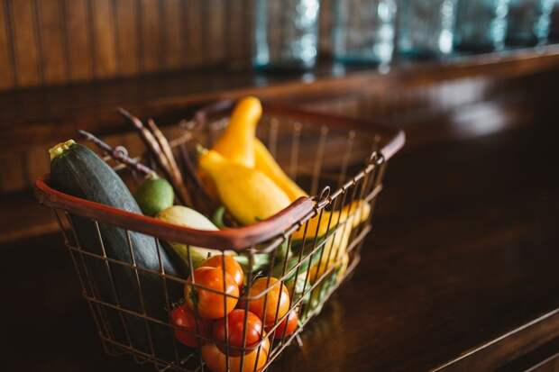 Медикам Удмуртии с 12 мая начнут выдавать продуктовые наборы