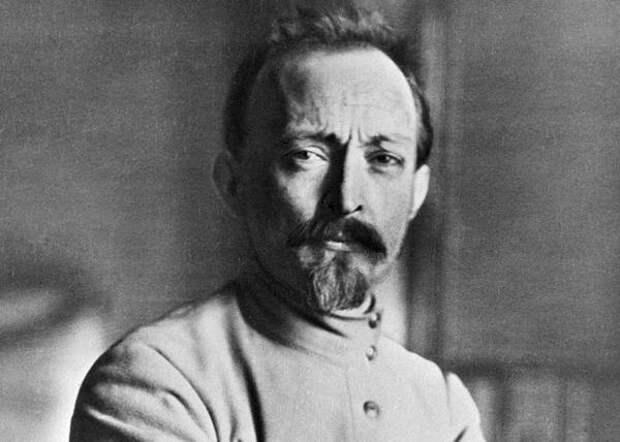 Морковный чай и конина: чем на самом деле питался Феликс Дзержинский