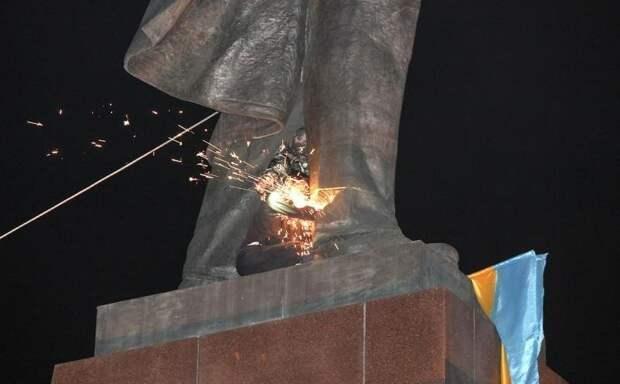 Кого собрался судить украинский институт нацпамяти за «преступления коммунизма»?