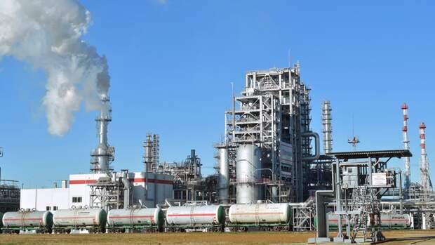ЛУКОЙЛ перевел все свои НПЗ вЕвропе нароссийскую нефть