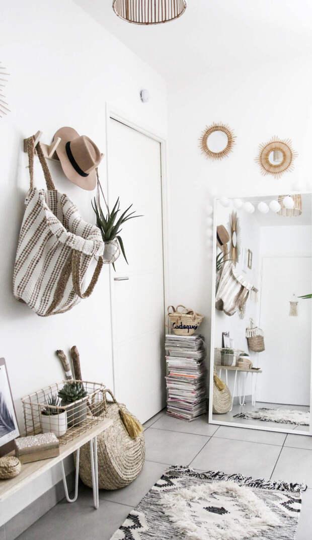 Зеркало в прихожую: разновидности, декор, советы по расположению с точки зрения фен-шуй (66 фото)