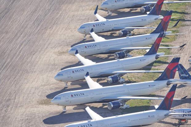 Самолеты подешевели почти вдвое