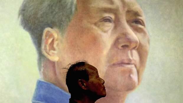 На уровне высшего партийного начальства определили, как народу надо относиться к Мао: он был прав на 70процентов и ошибался на30. Китайцы директивную пропорцию взяли за основу