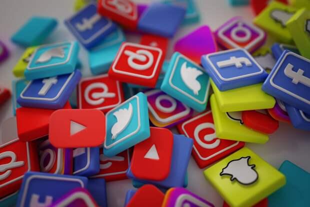Час расплаты близок: Facebook и YouTube рискуют навсегда покинуть российское информационное пространство