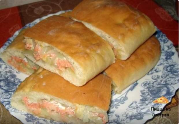 Приготовил на ужин пирог с рыбой, в следующий раз сделаю сразу 3 таких