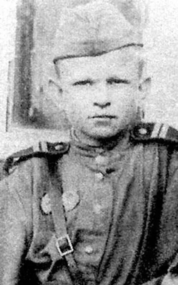 Гена Вечеренко в 1945 году