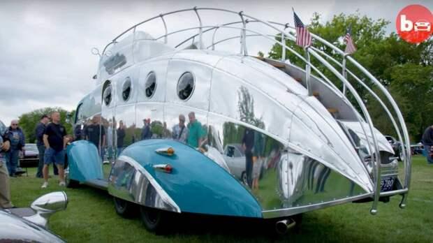 Так выглядит самый необычный в мире двухэтажный автобус