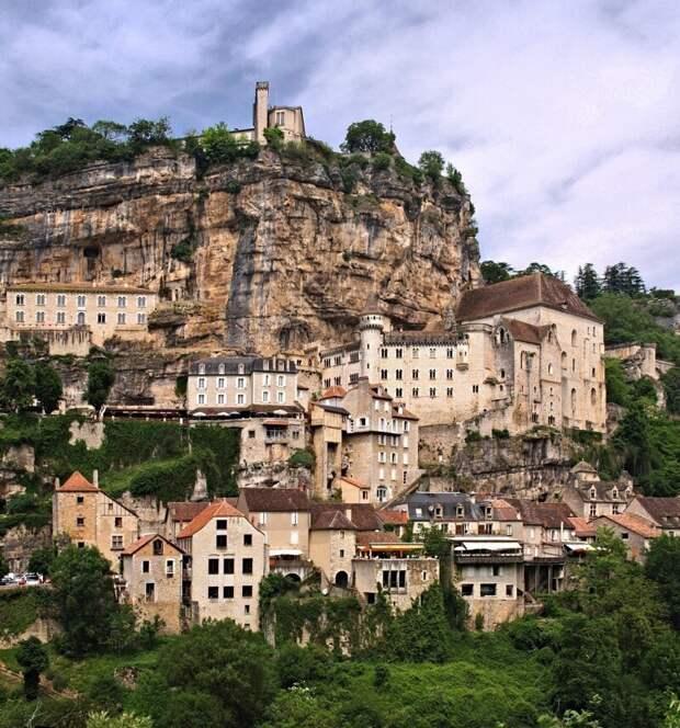 Бесподобный Рокамадур — город на скале