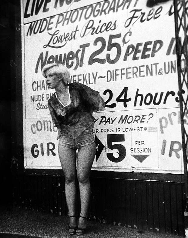 Фотовыставка о проституции