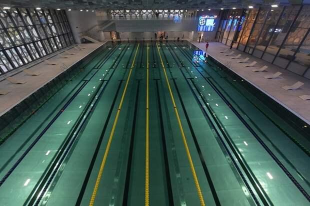 В лишь недавно отстроенном спорткомплексе Кирова новая беда - из-за неполадок отключен бассейн