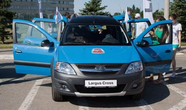 АВТОВАЗ показал новую версию универсала Largus Cross