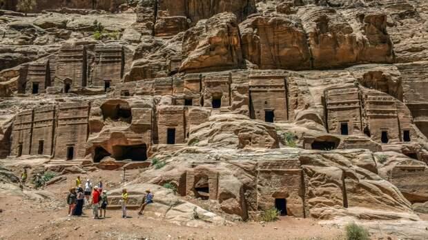 Пластины с надписями на санскрите нашли в священном индийском городе