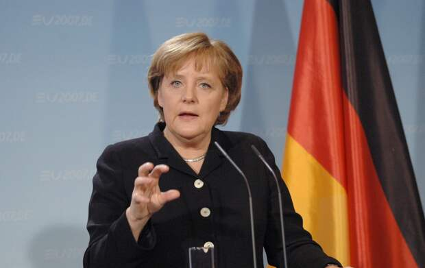Меркель осудила ракетные удары по Израилю из сектора Газа