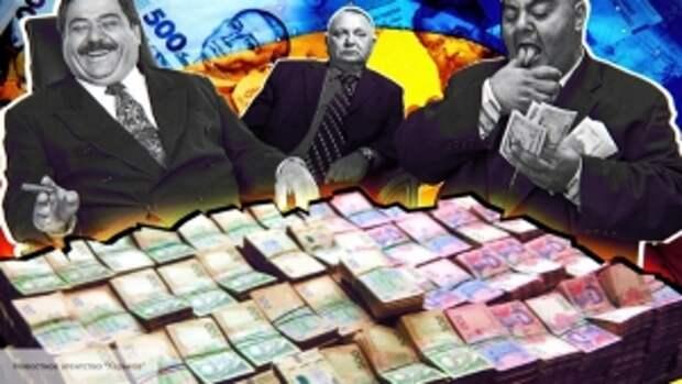 «Страна парадоксов»: украинский журналист назвал суммы премий чиновников и пенсий стариков