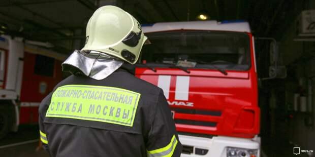 На Сущевском Валу сгорела строительная бытовка
