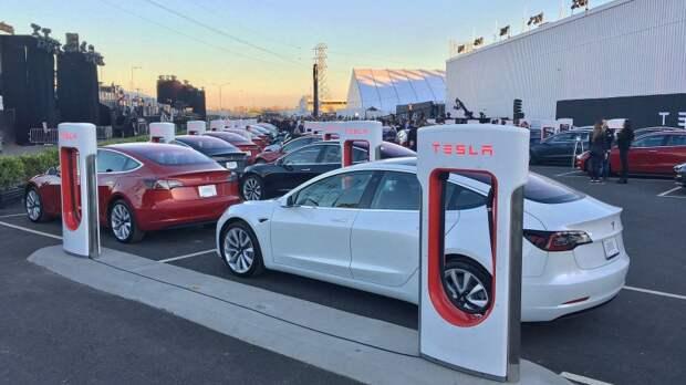 Продажи автомобилей Tesla за биткоины приостановлены