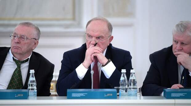 КПРФ, ЛДПР и СР не доверяют Медведеву и его кабинету министров