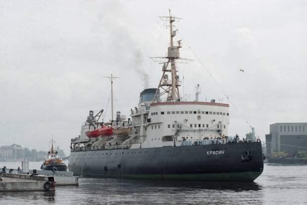 Военно-морские снабженцы. Какие корабли обеспечивают полноценную работу ВМФ
