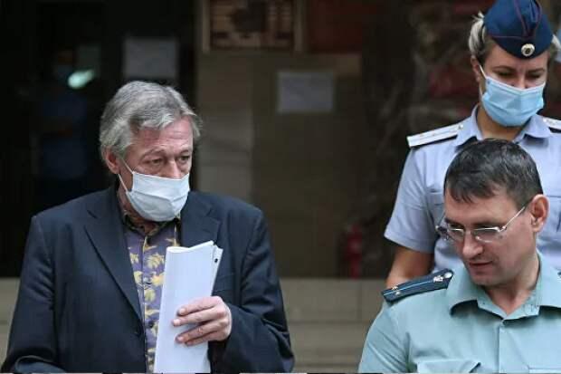 Трунов оценил отказ Ефремова отадвокатов