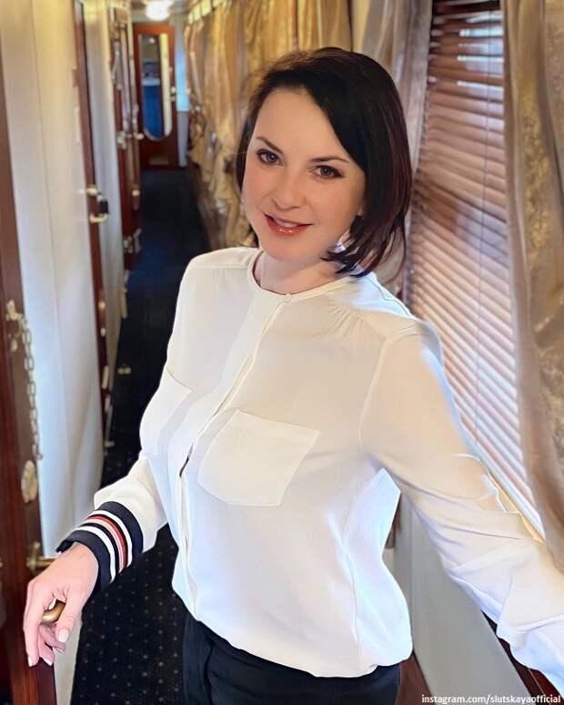 Годовалая дочка Ирины Слуцкой получила в подарок «Мерседес»