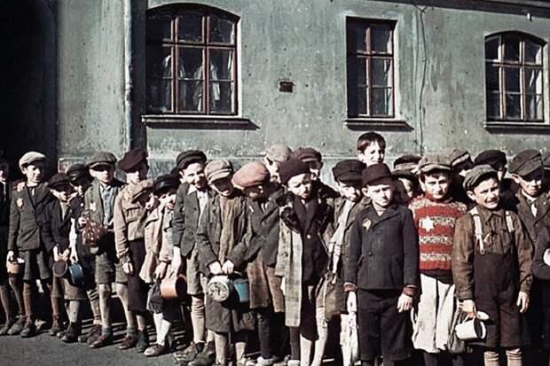 Демократия в Польше споткнулась о Холокост