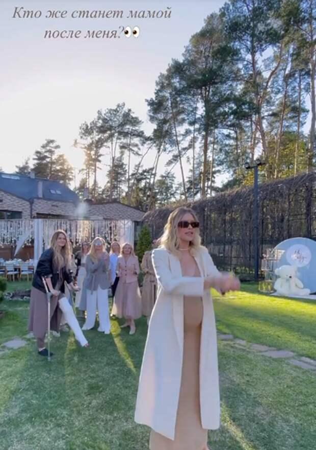 Ульяна Сергеенко, Яна Рудковская и другие на вечеринке Елены Перминовой в честь будущего ребенка