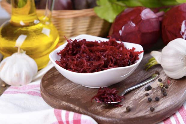 Салат из свеклы: полезный зимний рецепт