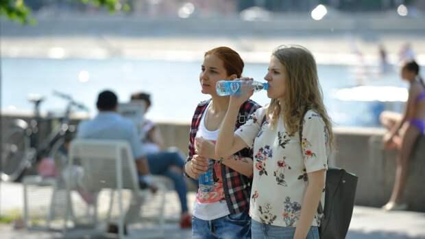 Врач Тяжельников дал советы по грамотному утолению жажды в жару