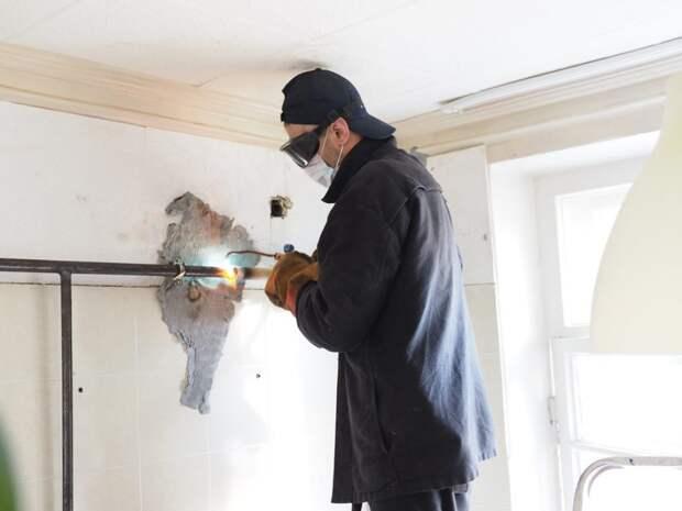 В квартирах жителей СЗАО идет плановая замена газовых труб