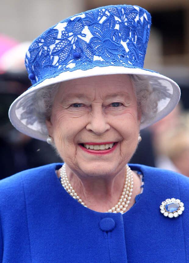 Какие украшения Романовых лежат в шкатулках королевской семьи Великобритании?