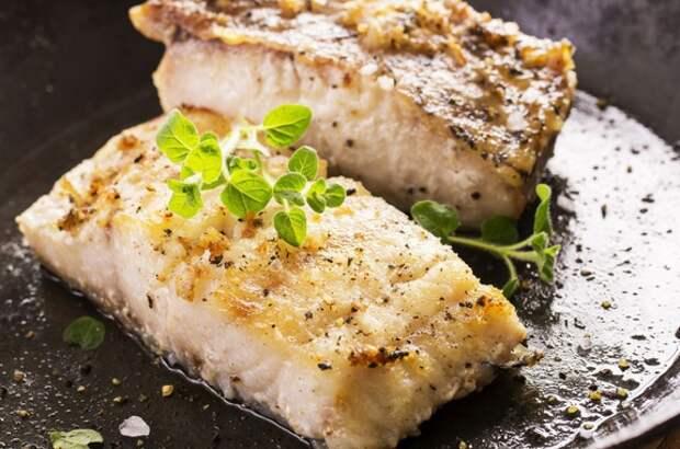 Вот как надо жарить любую рыбу! В меру соленая, не пригорает, а корочка хрустит.