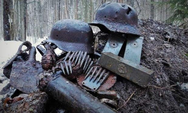 Склад оружия в болоте: находка черных копателей