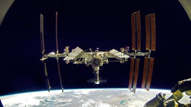 Космонавты с борта МКС поздравили землян с Днем Победы