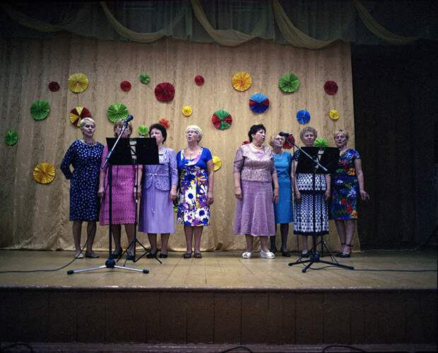 Безудержное веселье: Праздники в российской глубинке: бессмысленные и беспощадные