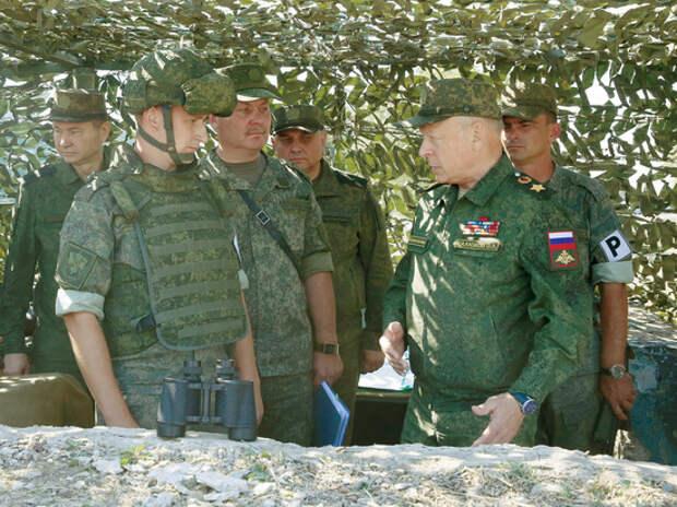 Главкому сухопутных войск Олегу Салюкову исполнилось 66