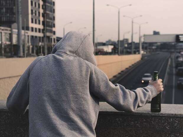 """Ученые озвучили семь признаков начала """"алкогольного Альцгеймера"""""""