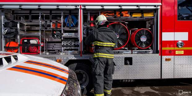 На Алтуфьевском шоссе горел мусорный контейнер