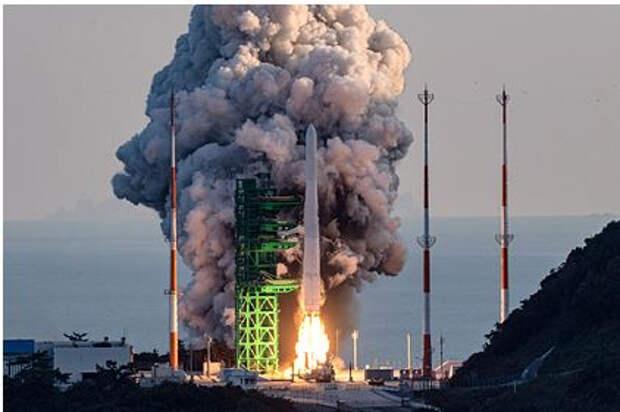 Южная Корея запустила первую ракету-носитель собственного производства