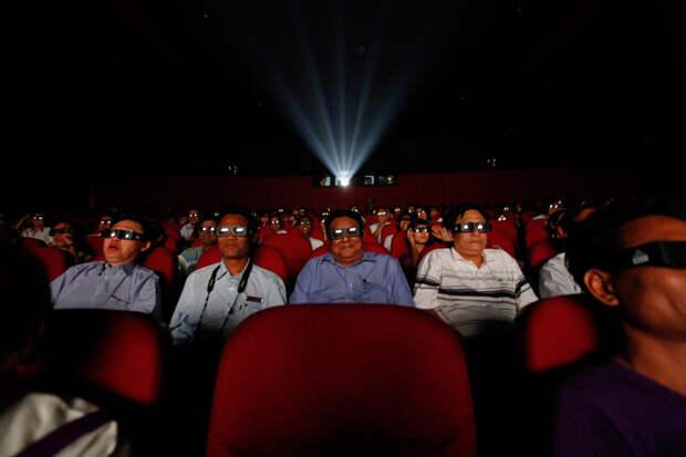 Люди в кинотеарте