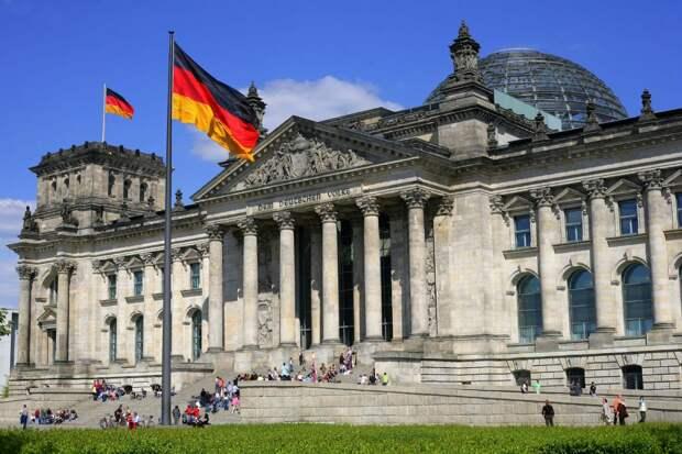 Нужна новая стратегия: немецкий политик предлагает снять напряжение в отношениях с Россией