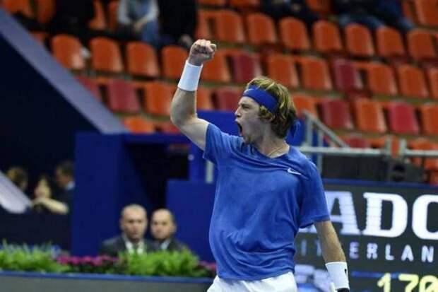 Андрей Рублев продолжает творить историю: вслед за победой над Надалем он сумел впервые выйти в финал турнира серии «Мастерс»!
