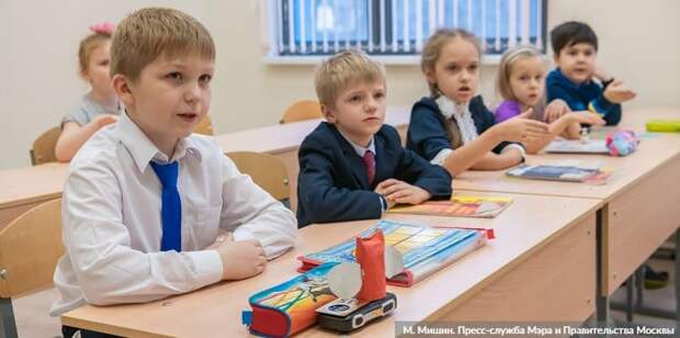Собянин: Около 100 школ и детсадов будет построено в Москве за три года