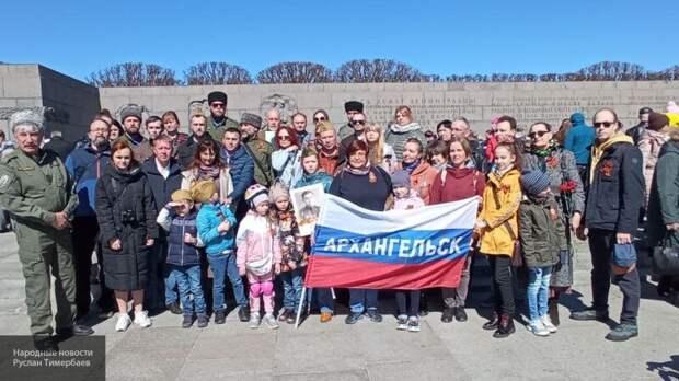 Реки народа с цветами: в Петербурге почтили память героев, отдавших жизнь за Родину