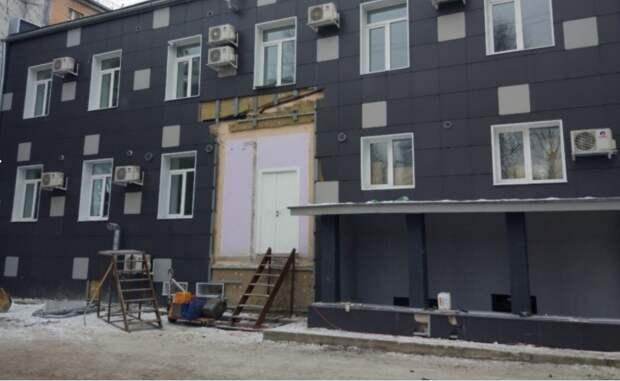 Самострой для оказания медицинских услуг снесли на улице Космонавтов