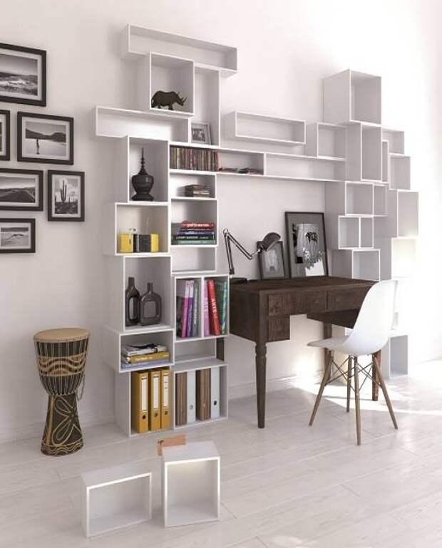 Геометрические формы полок станут идеальным украшением для свободной стены в любой  просторной комнате.| Фото:  mebelstyle-kursk.ru.