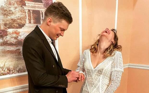 Дочь актёра Ивана Охлобыстина вышла замуж за рязанца