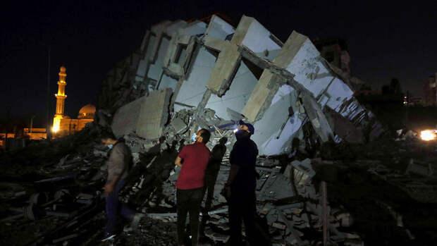 Армия Израиля уничтожила жилой дом в секторе Газа