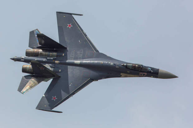 Российский истребитель Су-35 рухнул в Охотское море