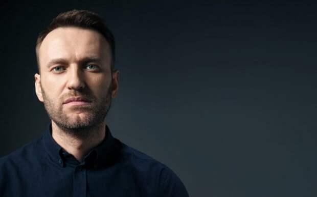 «Спровоцировать конфликт и бросить в него детей»: эксперт объяснил масштабную провокацию Навального 5 мая